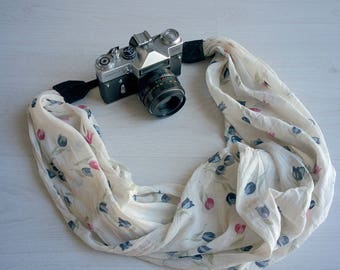 Scarf camera strap Fabric camera strap Camera scarf strap Floral scarf strap DSRL camera strap Photographer accessories Camera accessories