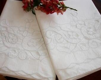Pillowcases, Pair of Vintage Pillowcases, Cutwork detailing, linen, cotton blend cases, Pillow slips, 1960s vintage bedding, Scalloped edge