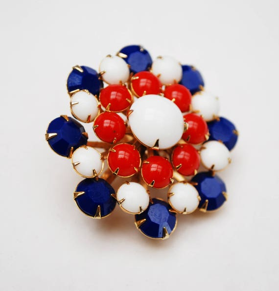 Red White blue  Brooch - Colorful Glass Rhinestone - Patriotic - Mid Century - Circle Flower  pin