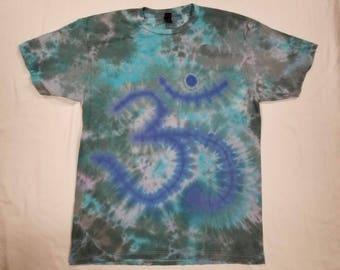 Funky Tie Dye Om symbol Men's T-shirt size Large S414