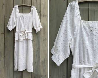 Vintage dress   White eyelet lace Jerrie Lurie cotton peplum dress