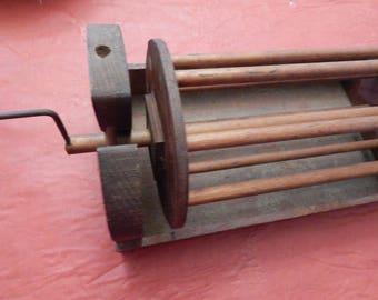 PRIMITIVE SQUIRREL CAGE---Yarn Winder---Swift---Vintage