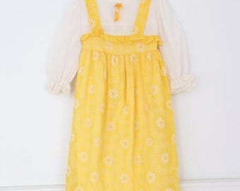 ON SALE Vintage 70s Little Girls Dress, Girls Dress, Girls Vintage Dress, Girls Yellow Daisy Dress, Girls Prairie Dress, Girls Maxi Dress
