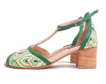 Pia Nouveaux medium heel - Wedding shoe. Pump sandals peep toe - t-strap in green and nude leather, floral fabirc - Free shipping