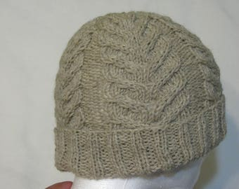 100% Wool Knit Hat - natural beige with antler cable texture