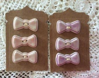 Bows  porcelain buttons medium.