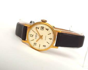 Womens watch 70s. Vintage womans watch Zarja Dawn 22 jewels. Gold plated 20 microns watch for women. White face womens watches. Gift for her