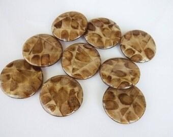 4 beads made of Mahogany shape flat 36mm seeds