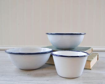 Vintage White and Blue Rim Enamel Cereal Soup Bowl Set - Porcelain Enamelware