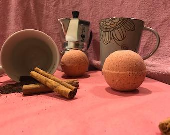 Bath Bomb: Cinnamon Latte