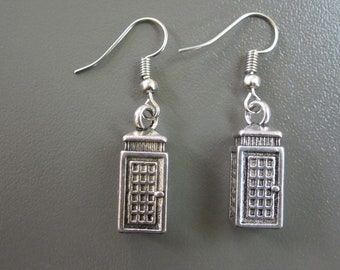 Police Box Earrings, Time Travelling Alien Space Ship Earrings, TV Earrings, Fandom Earrings, Earrings for a Doctor who travels in Phone Box