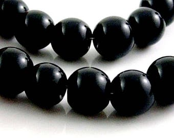 10 of shiny black glass beads, 12mm
