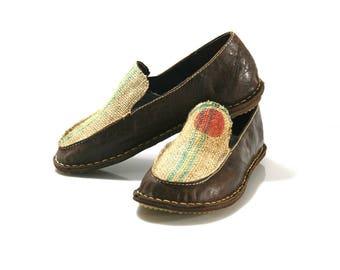CLEARANCE Sale - GREY Flat Anatomic Leather Shoes = EURO # 40 - Handmade by WalkaholicS