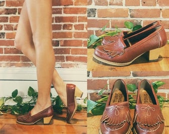 20% OFF FLASH SALE Vintage 1970s Western Loafers With Heels || Slip On Style || Rusty Red Brown Leather Vintage Turf Shoe Pumps ||  Ladies S