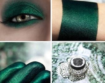 Eyeshadow: Sworn to the Source - Mermaid. Deep emerald satin eyeshadow by SIGIL inspired.