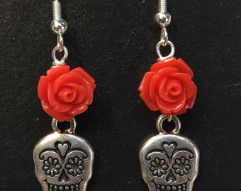 Sugar Skull Earrings - Halloween earrings - Skull earrings - Day of the dead - Sugar skull with red rose - skull dangles - skull earrings