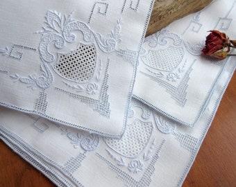 Vintage  Napkins   Square  Embroidered  Napkins   Vintage Linens Table Linens - set of 9.