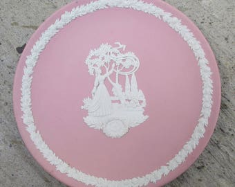 Wedgwood Made in England Mary Kay Cosmetics 1983 Special Issue Pink Plate
