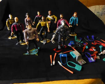 Vintage  Lot of Ten STAR TREK Action Figures and Accessories 1992 & 1993 Playmates Toys