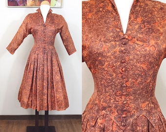 1950s Vintage Dress / Atomic print / Burnt Orange / Slinky Rayon Crepe / MEDIUM