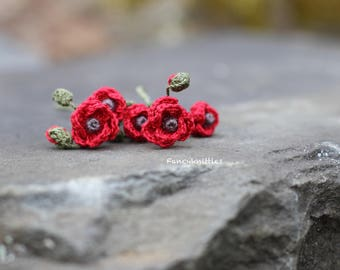 Five Crochet red poppies miniature crocheted fake fiber flowers Remembrance Day tiny pin collectable home decor miniature bouquet artificial