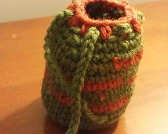 Tiny crochet bag