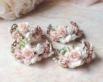 Pale pink dusty pink wrist corsage Floral wrist corsage Bridesmaids corsage Wedding bracelet Bridal bracelet Flower bracelet Mother of the