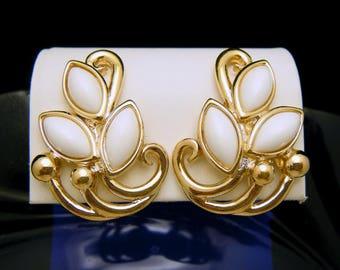 Trifari TM Vintage White Lucite Gold Tone Clip On Earrings
