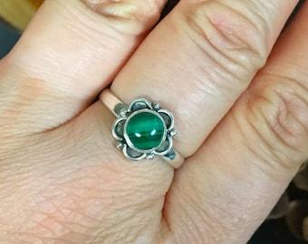 SALE!! Amazing, genuine malachite, 925 sterling silver ring