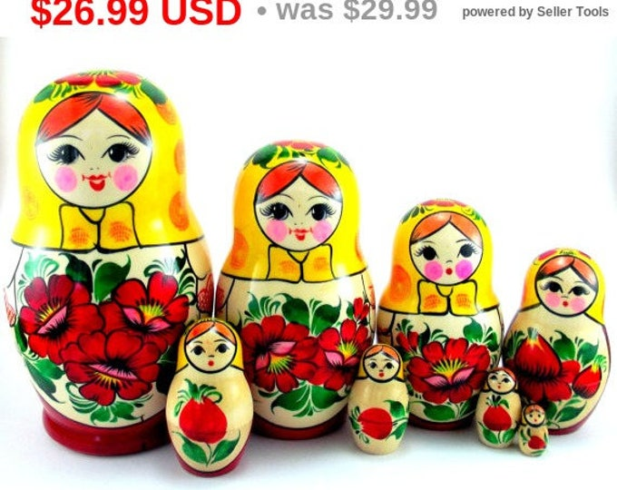 Nesting Dolls 8 pcs Russian Authentic Matryoshka Babushka doll set Wooden Stacking toy Original Handmade handpainted birthday christmas gift