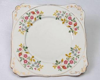 Sunningdale Vintage Cake Plate by Gladstone, 1950's Cake Plate, Afternoon Tea, Tea party, Wedding tea, Royal Wedding Tea Party