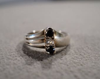 Vintage Sterling Silver Band Ring 3 Round Prong Set Blue Sapphire White Topaz, Size 7