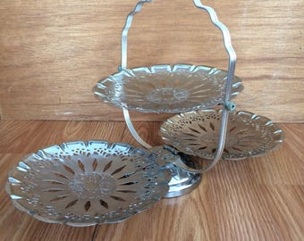Vintage 60's silver toned metal service plate.