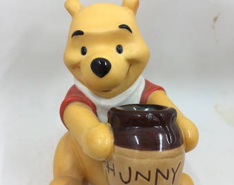 1996 Pooh Walt Disney Collector Club Membership Figurine