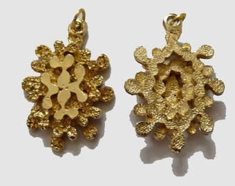 4 charm holder pendant Golden Flower volume embossed ring creation leaves for jewelry making