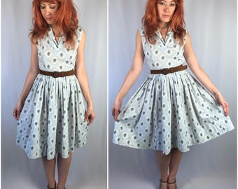 Vintage 1950's Country Floral Dress Size SMALL