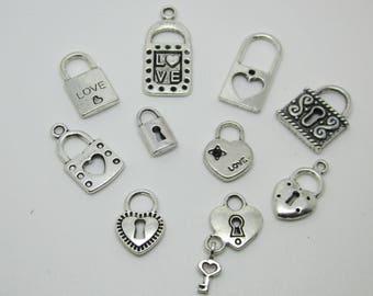 10 charms varied padlock, zinc metal alloy.