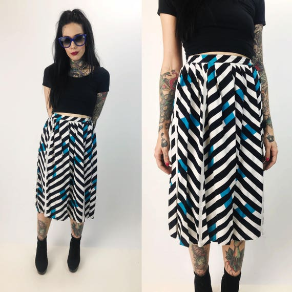 "80's Allover Pattern High Waist Midi Skirt XS - 26"" Waist - Bright Rayon Skirt With Pockets - Black Blue White Geometric Print Vintage Midi"