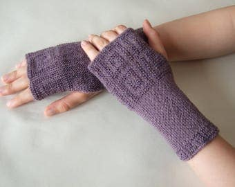 Beaded AMETHYST fingerless gloves, wrist warmers, fingerless mittens. Soft, thin and warm. Knitted of ALPACA and blended wool. HANDMADE.