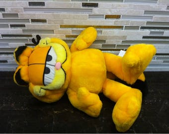 PAWS Garfield the Cat Stuffed Animal Plush Toy 18 inches,  1978