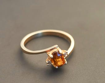 14K Yellow Gold Orange Oval Sapphire and Accent Diamond Ring - Natural Sapphire 0.6 Ct