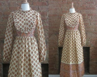 December Sale 1970s paisley floral bib front maxi dress | Size XS