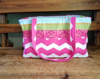 Beautiful diaper bag with lots of room.