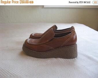 25% off SALE tan brown steve madden platform shoes loafers - 8 B