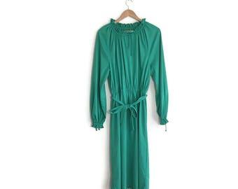 70s green goddess dress / vintage green maxi dress / plain green vintage dress / wedding guest dress / 70s green boho dress / rouched dress