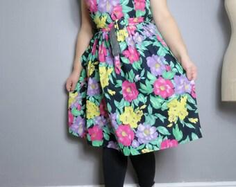 80s tropical dress / cotton floral vintage dress / belted 80s dress / 80s spring party dress / retro print dress / floral puff dress