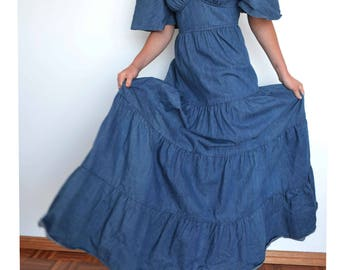 Vintage dress - Long 70s vintage denim dress maxi with ruffles - low cut, huge skirt - vintage clothing