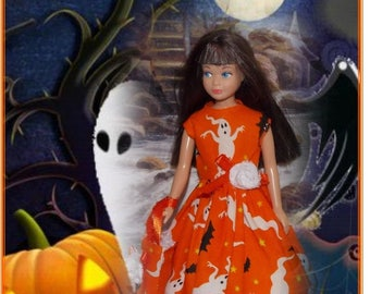 """Halloween """"Ghostly Dance"""" Orange Ghost & Bats  Halloween Dress and  Bag.  (Clothes only, vintage Skipper doll is not included)"""
