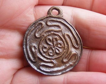 Hekate's Wheel, Bronze Pendant, (Darker version), Hekate, Hecate, Strophalos, Spiritual, Wicca, Wiccan, Witch, Pagan