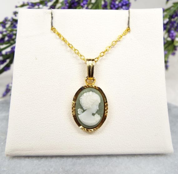 Vintage / Classic Gold Plated Green and White Cameo Lady Dainty Pendant Necklace